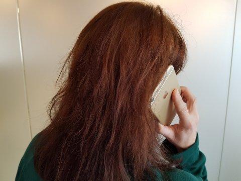 UKJENT: Den 17-årige kvinnen ringte til en ukjent kvinne, og drapstruet henne - fordi en jevngammel kamerat ba om det. Illustrasjonsfoto: Sigurd Øie