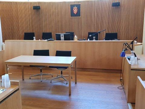 TINGRETTEN: 26-åringen erkjente alt han var tiltalt for, da han møtte som tiltalt i Sandefjord tingrett. Illustrasjonsfoto