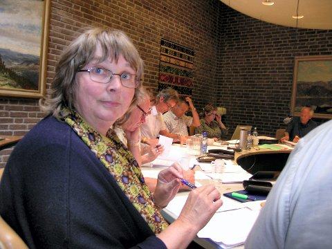 SENTRAL POLITIKER: Lisbeth Horn Bakken (H) i formannskapet i 2008. Nå gir hun ros til Lars Petter Kjær for håndteringen av varslersaken.