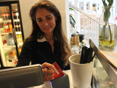 MÅ GI DÅRLIGERE BETINGELSER: Tine Wollebekk er sjef i Bank Norwegian. Foto: Halvor Ripegutu/Nettavisen