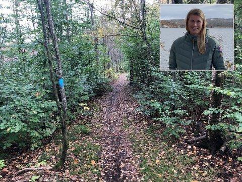 HAR VARSLET: Caroline Nygaard bor like ved skogen på Fokserød, og mener politiet ikke følger med.