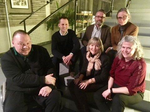 Vestfold Venstres delegasjon. Terry Gabo, Peder Sunde, Karin S. Frøyd, Henning Nilssen, Tone Skalpe Bjørnli og Suzy Haugan. Ikke tilstede: Karin Virik og Nancy Ødegård-Småbrekke.