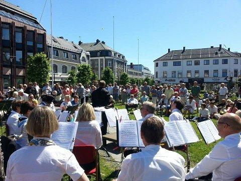 UTEKONSERT: Sandefjord Musikkorps inviterer til utekonsert lørdag klokken 14.00. FOTO: PRIVAT