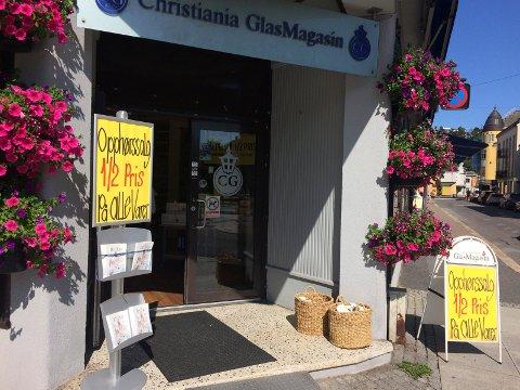 GIR OPP: Christiania Glasmagasin på hjørnet Jernbaneallén/Kongens gate legger ned virksomheten.