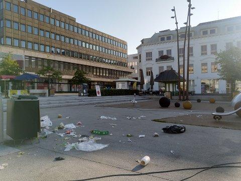 UVANLIG: Slev om kommunens driftsavdeling er ute og rydder hver morgen, så er det uvanlig at de opplever dette synet.