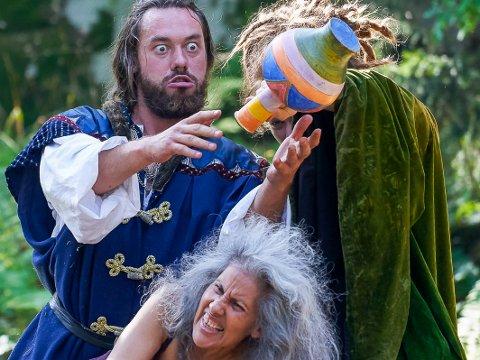 VISJONSFORTELLING: På bildet sees hovedrolleinnehaver Stefan Mazur som ridder Tundal og Marie Satyami Vik.
