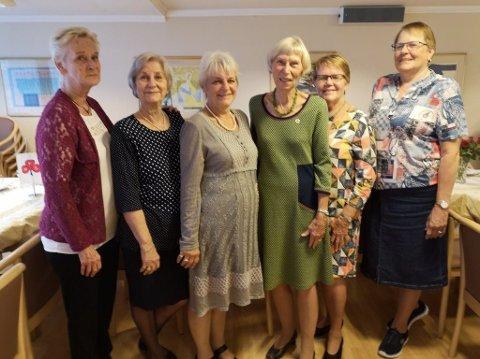 Bildet er av foreningens styre. Fra venstre: Ingjerd Dahl, Laila Monsen, Marianne Grøterud, Anne Marie Jahre Larsen, Kari Hetty, Toril Seeberg. (Tre styremedlemmer var forhindret.)