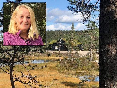 ØKENDE INTERESSE: - For meg som kommer fra Sandefjord, var det en opplevelse å komme til Svanstul, sier Kari Mette Lørdahl i Svanstul utvikling. Hyttetomter på Svanstul har vært solgt til folk fra Larvik, Stavern, Re og Oslo.