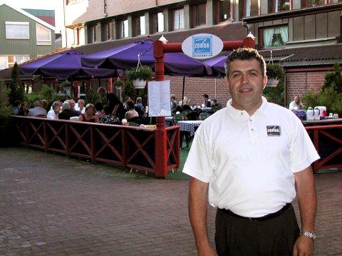 LAGER NY RESTAURANT: Anis Abou-Reslan fra tiden da han var innehaver av Zorba. Han har også drevet restauranten Da Vinci og startet opp baren Draaben i sin tid, for å nevne noe. ARKIVFOTO: Inger Kristin K. Tronstad