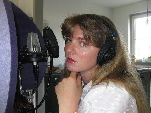 FILM OG SINGEL: Artisten Lise Mæland (31) fra Sandefjord går en spennende tid i møte. I oktober slippes både Netflix-filmen hun har en stemme i, Månereisen, samt hennes nye singel, Hello Love.