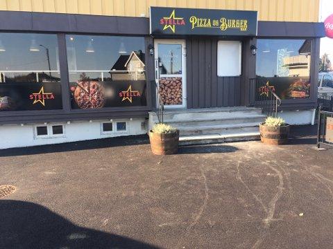 HAR JOBBET I FIRE MÅNEDER: Det er gjort mye i lokalene der tidligere «Foody» holdt til. Nå åpner «Stella Pizza og Burgerbar» etter fire måneder med renovering. FOTO: Privat