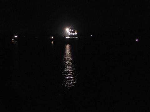 PÅ TUR: Color Viking befant seg utenfor Tangenbukta mandag kveld.
