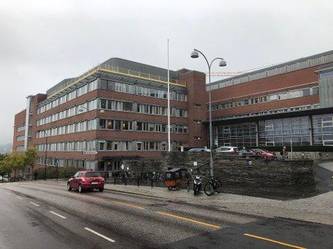 Tirsdag ble en koronasyk pasient innlagt ved Sykehuset i Vestfold.