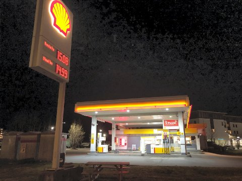ETT ALTERNATIV: Kommunen mener tre steder peker seg ut som mest aktuelle for en biogasstasjon. Shell-tomta i rundkjøringen i Kilen er én av dem.