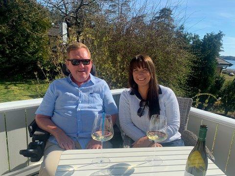 MAT OG DRIKKE: Thomas Tideman Holst og Cecilia Doornekamp har gjestet de fleste spisestedene i Sandefjord det siste året - som Spiseforeningen.