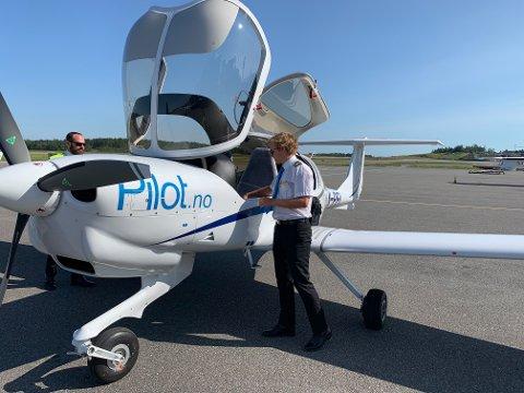 PÅ BAKKEN: Det er lite som tyder på at pilotstudentene kommer seg i lufta med det første.