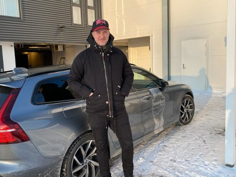PÅ PLASS: Torsdag var Andreas Tegström omsider på plass i sin nye hjemby. Svensken gleder seg stort til å ta fatt på jobben som SF-trener.