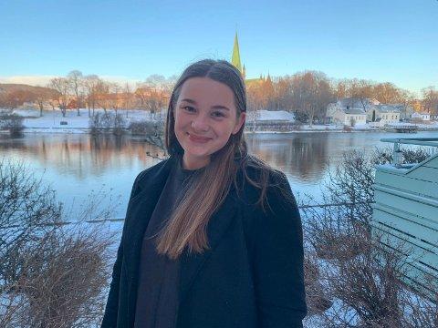 BYTTET STUDIER: Lea Jahren-Andersen (20) startet på et sivilingeniørstudie høsten 2019. Året etter byttet hun til et annet studie: – Jeg er glad for at jeg byttet. Det viktigste er at man holder på med noe man trives med, sier hun.