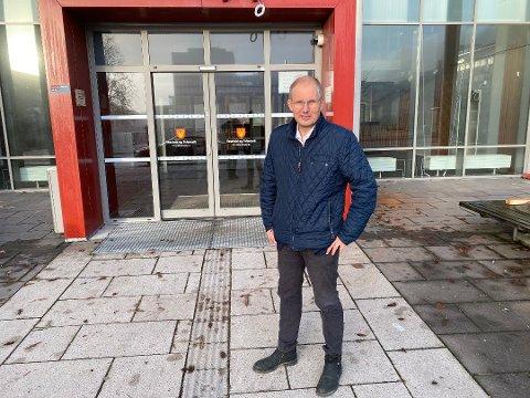 OPPRYDDING: Fylkesordfører Terje Riis-Johansen forteller at de skal ha en gjennomgang av journalføring.