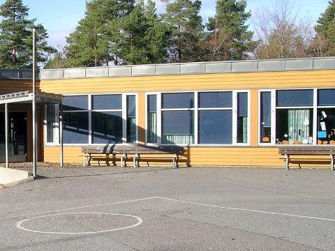 SMITTE: 7. trinn ved Ormestad skole er i karantene, mens 6. trinn er i ventekarantene etter smittetilfeller ved skolen.
