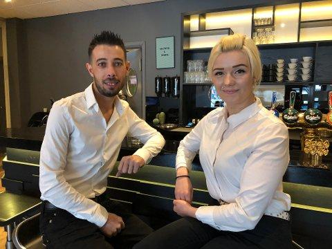 FELLES PROSJEKT: Onsdag åpner Valentin Angelov og samboeren Renate Helgesen sin første restaurant. Han er mangeårig kokk. Hun servitør.