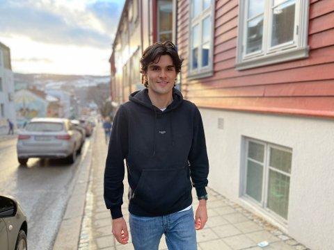 FLYTTET TIDLIG: Sandefjordingen Eirik Bergene Aabrekk (23) trives i Lillehammer (bildet), hvor han har bodd siden 2014. Han utelukker derimot ikke at det kan bli retur til hjembyen Sandefjord når han etter hvert er ferdig utdannet og skal ut på arbeidsmarkedet.
