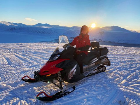 STUDERER PÅ SVALBARD: Sandefjord-kvinnen Pernille Eyde Nerli (24) bor for tiden på Svalbard, hvor hun fullfører sin bachelor i biologi.
