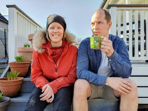 TRIVES: Kristin og mannen Bjørnar flyttet inn i huset på Framnes i februar 2018.