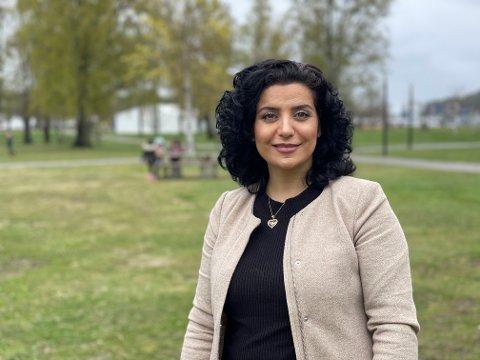 FLERSPRÅKLIG: Nour Alahmad (37) fra Syria har oversatt FHIs anbefalinger til arabisk.
