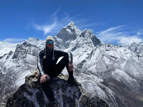 Tirsdag ble Frank Løke den første personen fra Sandefjord som har vært på toppen av verdens høyeste fjell som rager nesten 9.000 meter over havoverflaten.