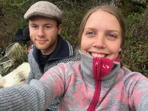 I tradisjonen tro dro samboerparet Sindre Anholt Andersen (24) og Ida Marie Vaaden (23) på fisketur på nasjonaldagen.