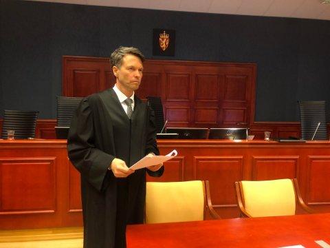 AKTOR: Statsadvokat Håvard Kalvåg sa i sitt innledningsforedrag i lagmannsretten - som i tingretten - at hovedmomentet i rettssaken er å tidfeste når de seksuelle handlingene fant sted.