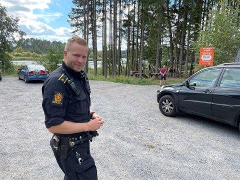 ULYKKE: Politiførstebetjent Mathias Siljeseth sier politiet er takknemlige for den jobben publikum gjorde etter ulykken ved Svinessaga.