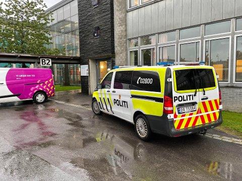 SVGS: Politiet gjorde åstedsundersøkelser etter et innbrudd på SVGS natt til torsdag.