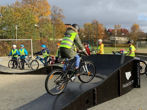 Pumptracken er den mest populære delen av Flinki-sykkelløypa til Hommersåk skole.
