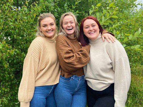 Fra venstre; Lukrecija Elijosiute (21), Kristine Svendheim (21) og Anna Larsen Vaage (23).