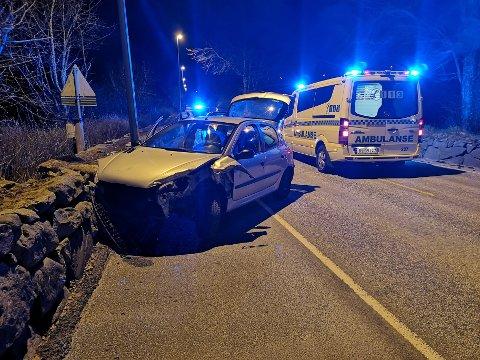 SMELL: Bilen måtte taues vekk. Foto: Ronny Hjertås