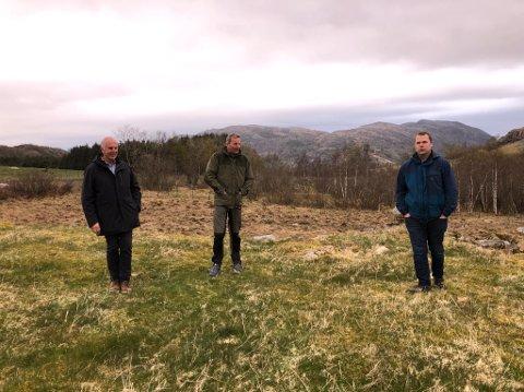 PÅ BEFARING: Ordfører Stanley Wirak sammen med Bjørn Bråtveit og Geir Ingve Øglend i Seldalsheia. Bjørn Bråtveit skrev leserinnlegg i Sandnesposten da debatten rundt parkering var på sitt mest intense.