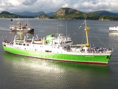 MS Sandnes blir én av attraksjonene på fjorden 17. mai. Konvoien av båter forventes å bli diger.