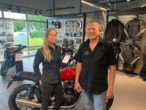 Linn Kant og Jan Sekse hos Arena MC opplever svært gode dager med salg.