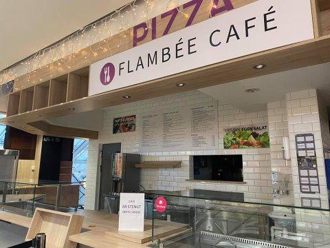 Flambée Café startet opp på Amfi Vågen i juli. Nå er de nødt til å stenge dørene.