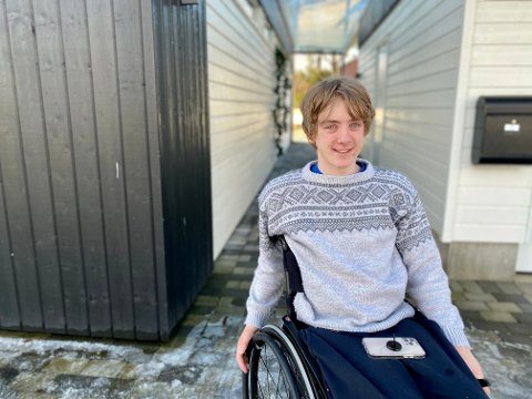 Konrad Åsnes ble lam fra brystet og ned etter en stupeulykke i Goddalen. I juni skal han opereres .