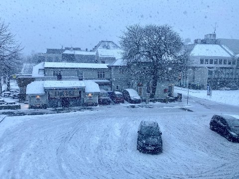 Snøen har lagt seg i sentrum.