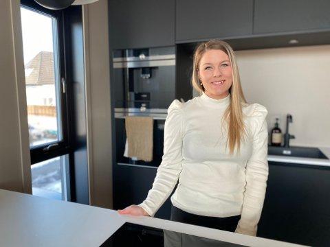 Lene Isabel Dale (30) er glad for at hun fikk være med å bestemme husets planløsning.