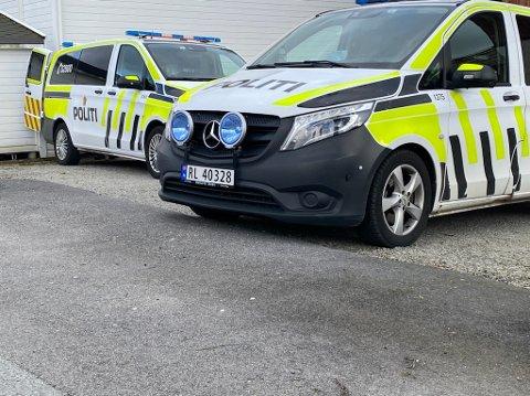 Politiet reiste til Austrått, hvor de fant både tjuvegods og narkotika.