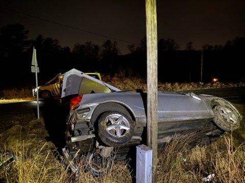 Bilen traff en stolpe da den kjørte utfor Espelandsveien.