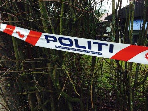 RETTSSAK: I morgen starter rettssaken mot den 80 år gamle mannen som er tiltalt for å ha drept sin kone i parets hjem på Bjørnstad for 10 måneder siden. Mannen nekter straffskyld, og hevder skuddet gikk av ved et uhell. Han har sittet varetektsfengslet siden han ble pågrepet og siktet for drapet 17. mars i fjor.FOTO: GEIR BJØRNSTAD