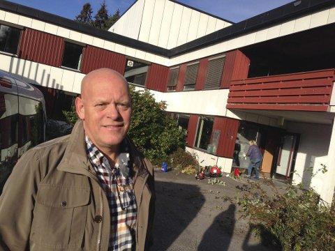 PERMANENT: Tom Gunnar Børresen i Vam AS er fornøyd med at Kolstad nå går fra å være et akuttmottak til å bli et permanent asylmottak.