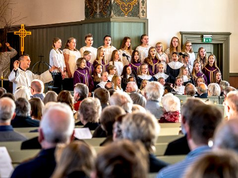 FLERE KOR: Barne- og ungdomskoret Exodus høstet applaus etter sin siste framføring.