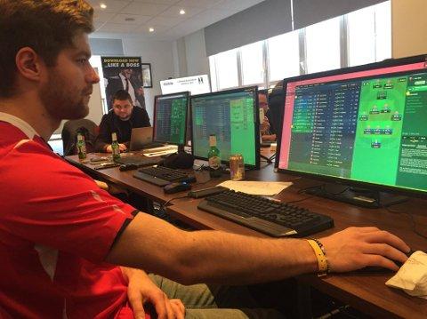 FM-MESTER: Mats André Breesth Kristiansen (25) ble i helgen kåret til Europamester i Fotball Manager-turneringen til Sports Interactive i London.